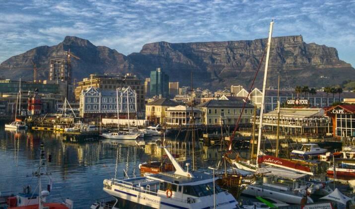 Afrique du Sud: des feux continuent de faire rage à Cape Town