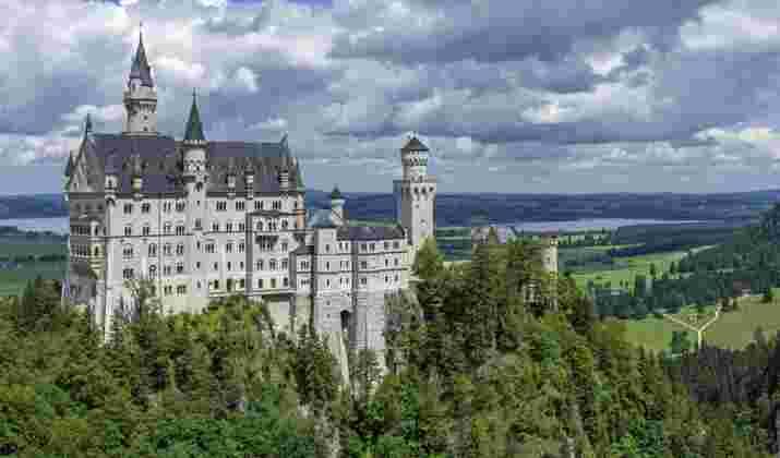 VIDÉO - Un grand huit renversant, en Allemagne