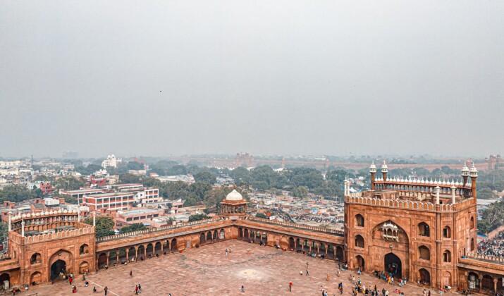 Malgré la pollution, le semi-marathon de Delhi a bien eu lieu
