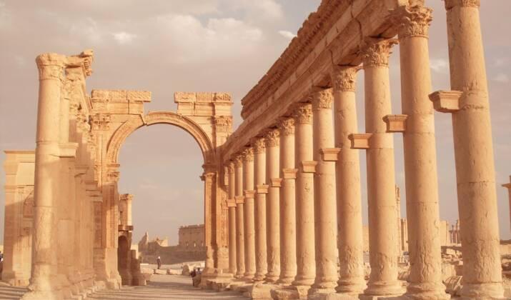 """Palmyre il y a un siècle : quand la """"perle du désert syrien"""" envoûtait l'Occident"""