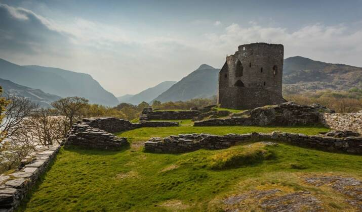 Des archéologues reproduisent un tombeau gallois néolithique dans le jeu Minecraft