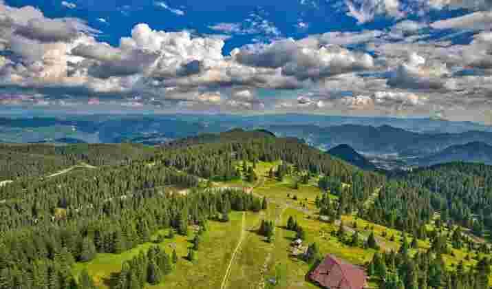 """En Bulgarie, une danse rituelle """"cosmique"""" à 2 000 mètres d'altitude"""