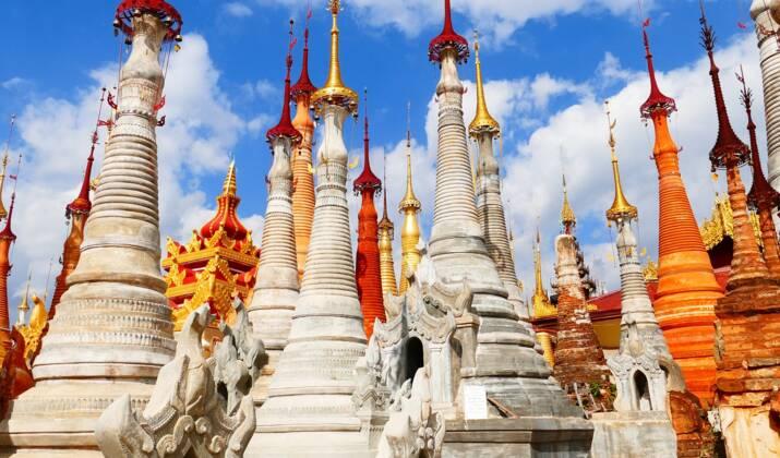 Insolite : en Birmanie, un temple bouddhiste réservé aux pythons