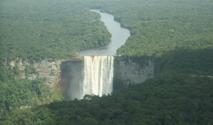 Guyane : aux portes de l'Amérique du Sud, l'Amazonie française