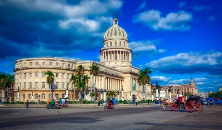 Après l'Amérique centrale, la tempête Eta a touché Cuba et se dirige vers la Floride