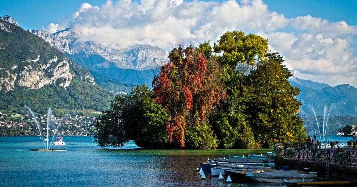 Lac D Annecy L Ile Aux Cygnes A Annecy Revet Ses Geo Fr