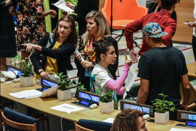 La jeunesse se mobilise à travers le monde — Climat