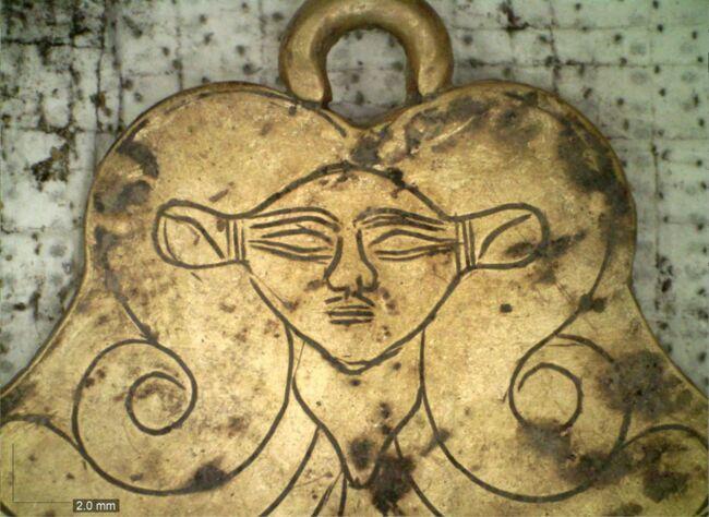 Des archéologues découvrent deux tombes de 3500 ans décorées d'or en Grèce ! By Nuage1962, article de Emeline Férard 7a9e10c7-c1dc-4d02-90a3-64f07b21172b-jpeg