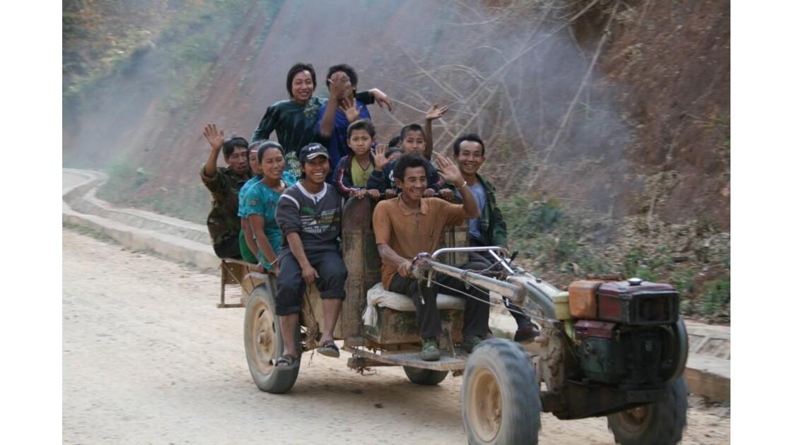 le tracteur du village