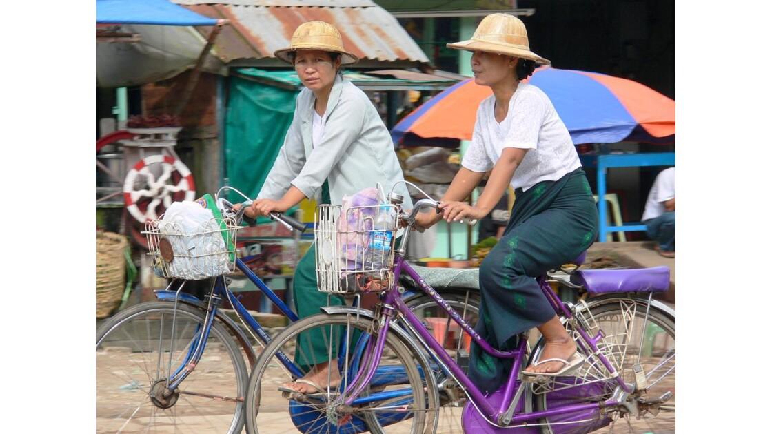 Sur les routes de Birmanie.