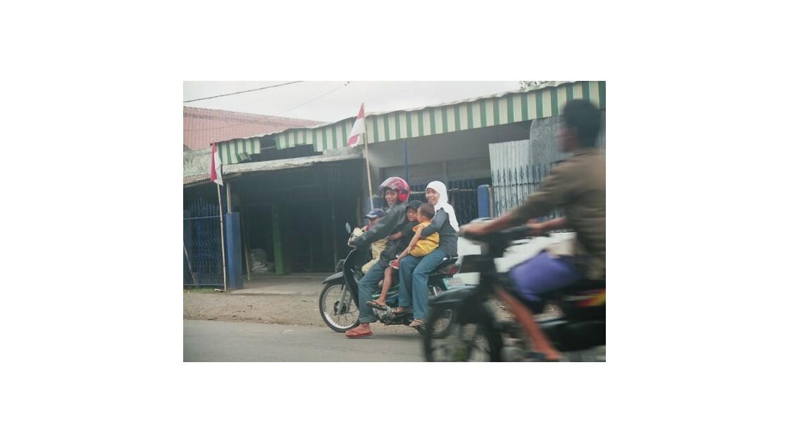 Le monospace indonésien!
