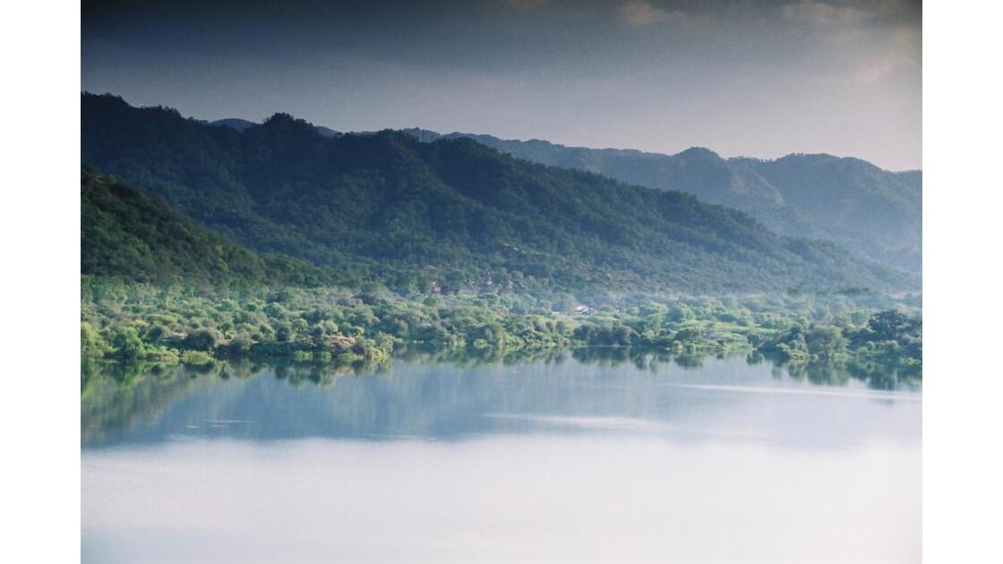 lac près de Ranakpur