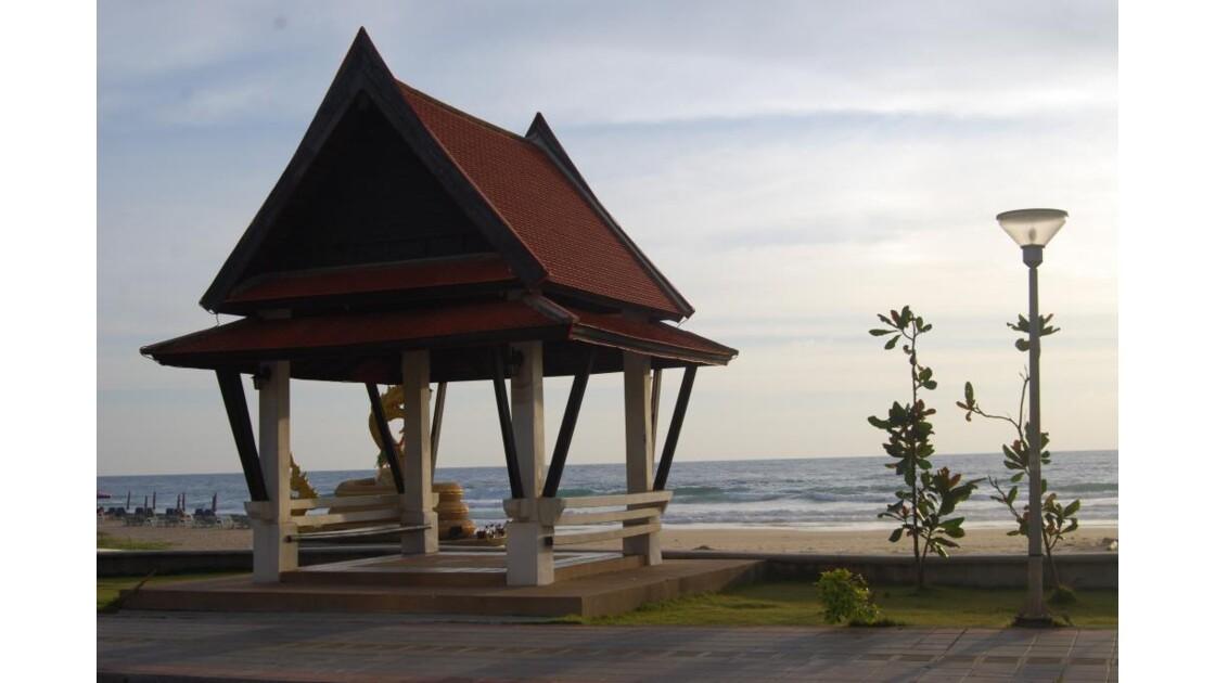 Arrêt de bus, Karon beach