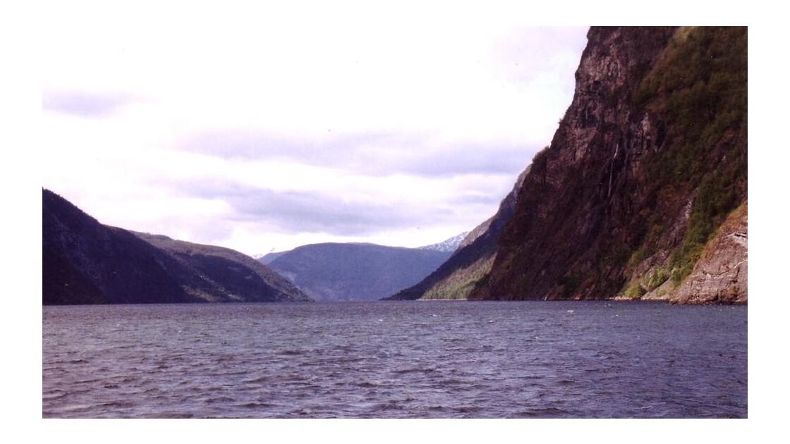 fjord7c.jpg