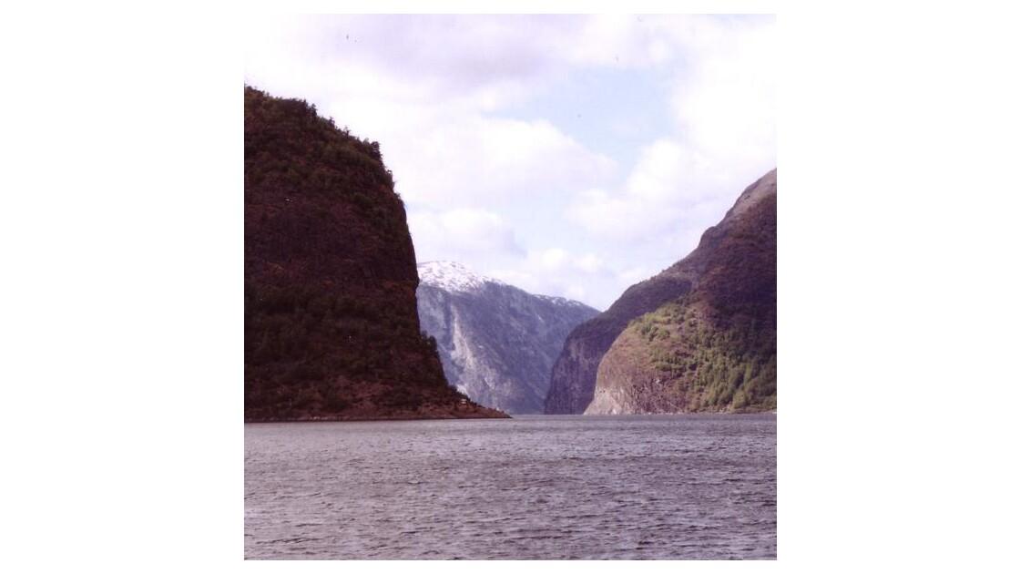 fjord8c.jpg