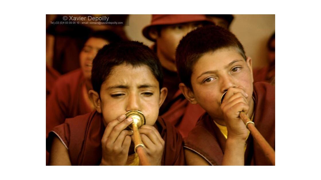Jeunes moines du monastère de Phiang
