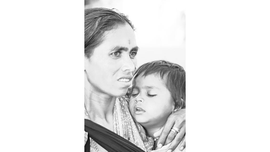 Mendiante et son enfant à Mysore Inde