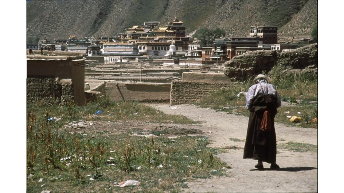 Vue  sur  le  monastère.jpg