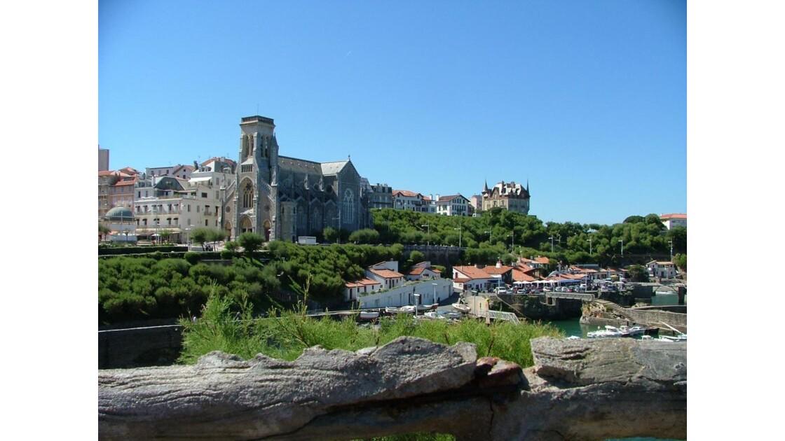 biarritz.eglise_et_chateau.JPG