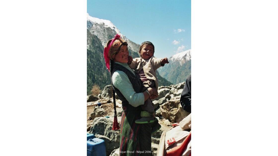 Népal, vallée du Langtang, montagnarde