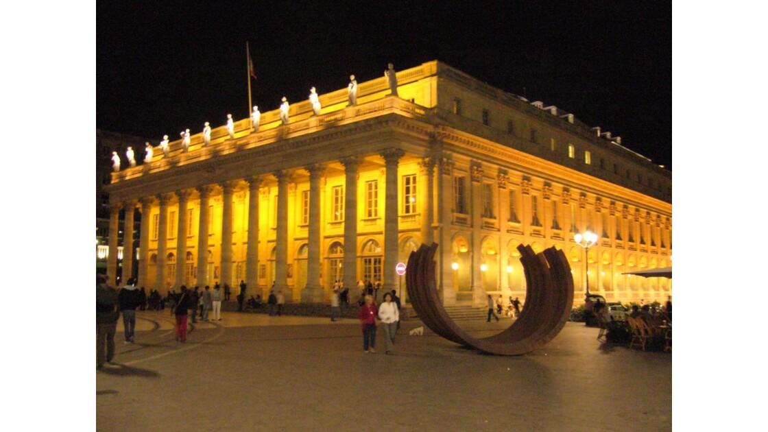 Grand Théâtre-sculpture Bernar Venet