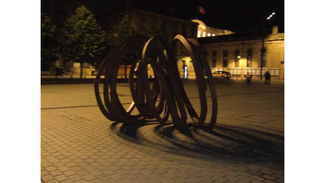 Place Pey Berland -  sculpture B. Venet