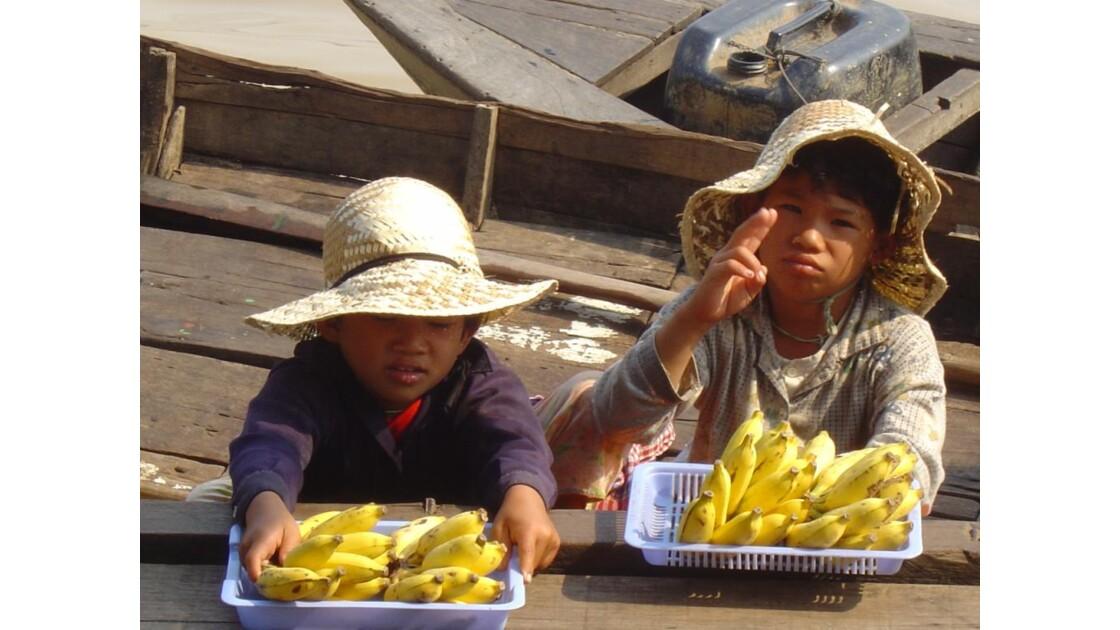 Cambodgiens  Lac Tonlé Sap