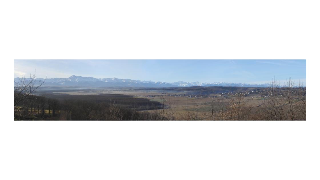 Chaîne des Pyrénées - panoramique