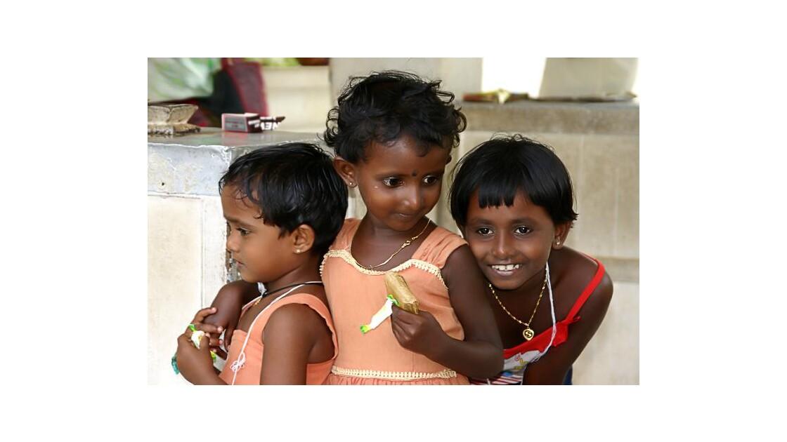 Enfants au temple
