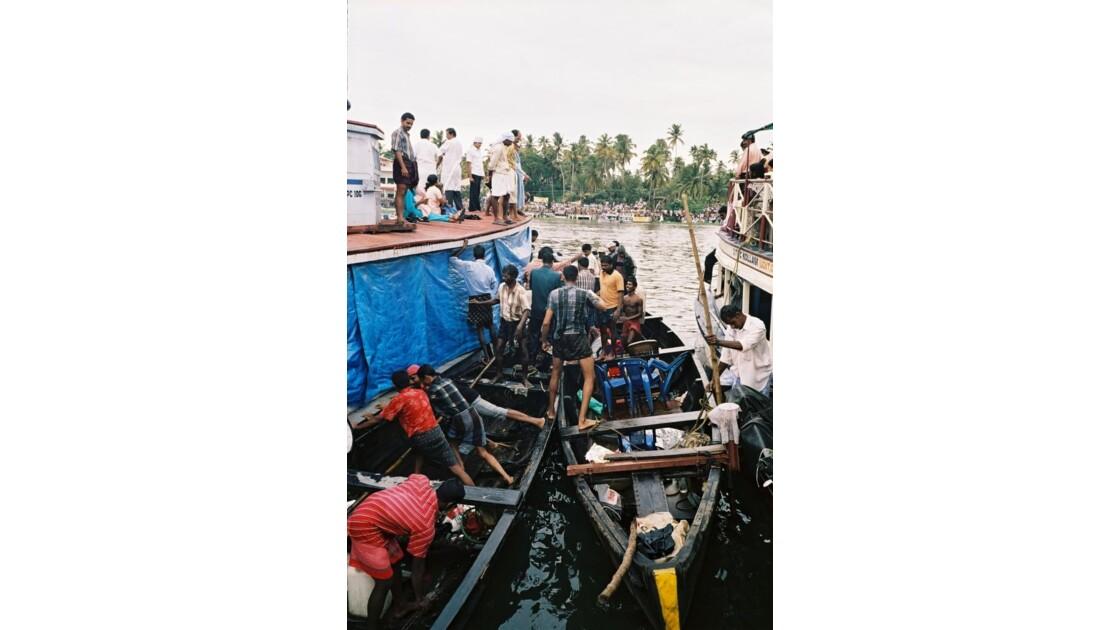 Course sur les backwaters, Inde du Sud