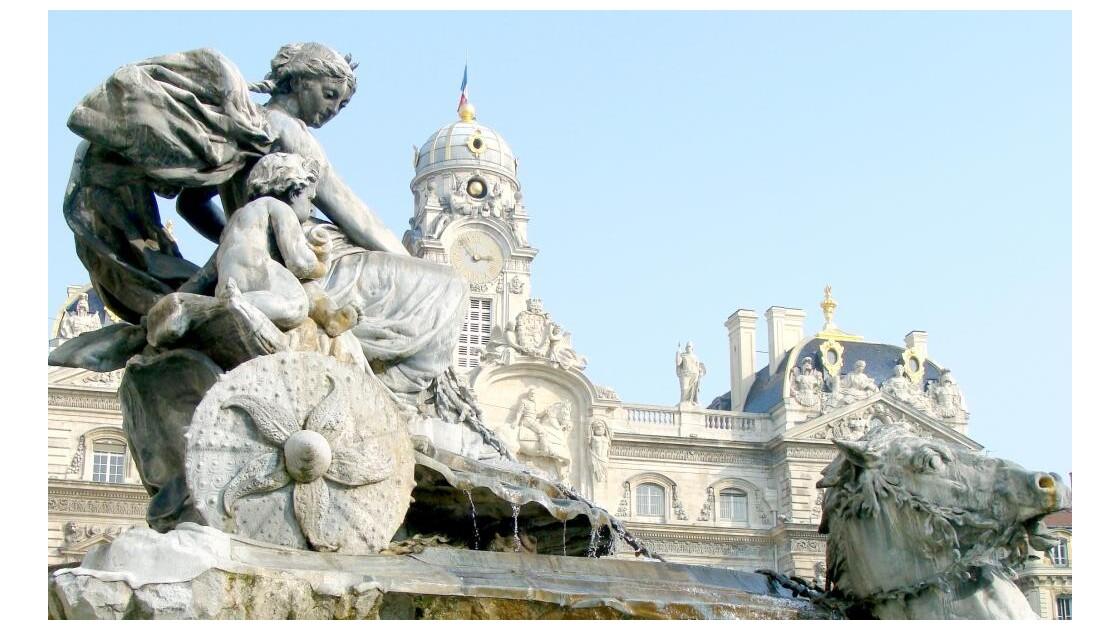 Bartholdi, place des Terreaux ...