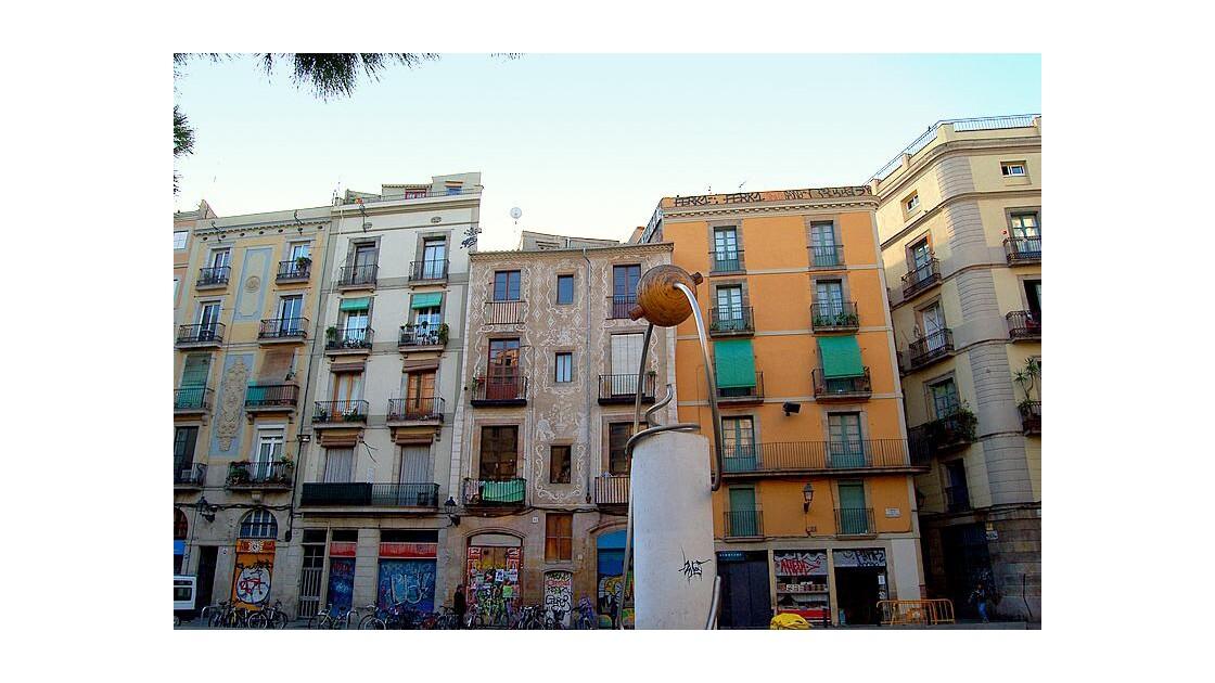 Barcelone : place dans quartier gothique