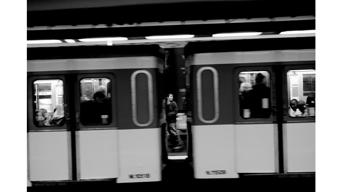 el_metro_de_paris_2.jpg