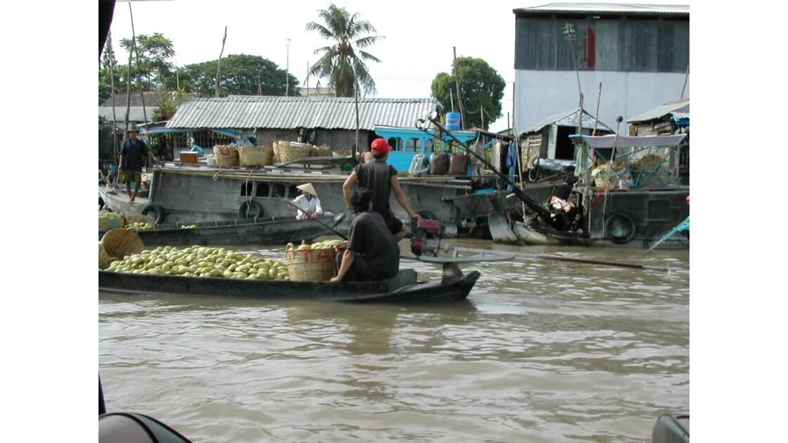 marché flottant sur le Mekong