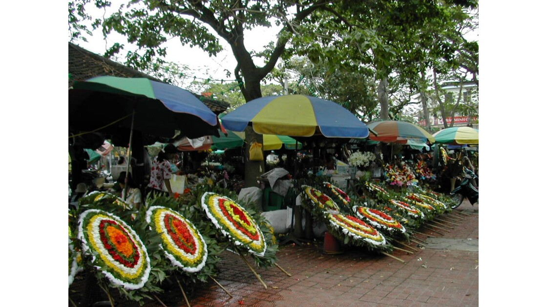 marché aux fleurs à Saigon