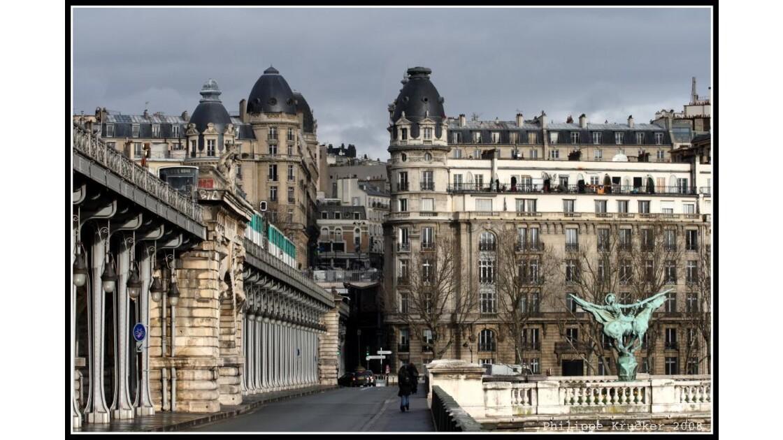 PARIS PONT DE BIR HAKEIM