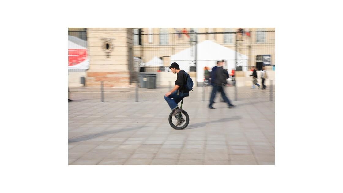 Monocycle, Dijon
