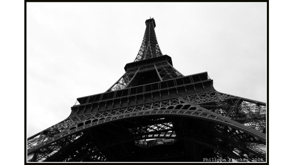 PARIS LA TOUR EIFFEL