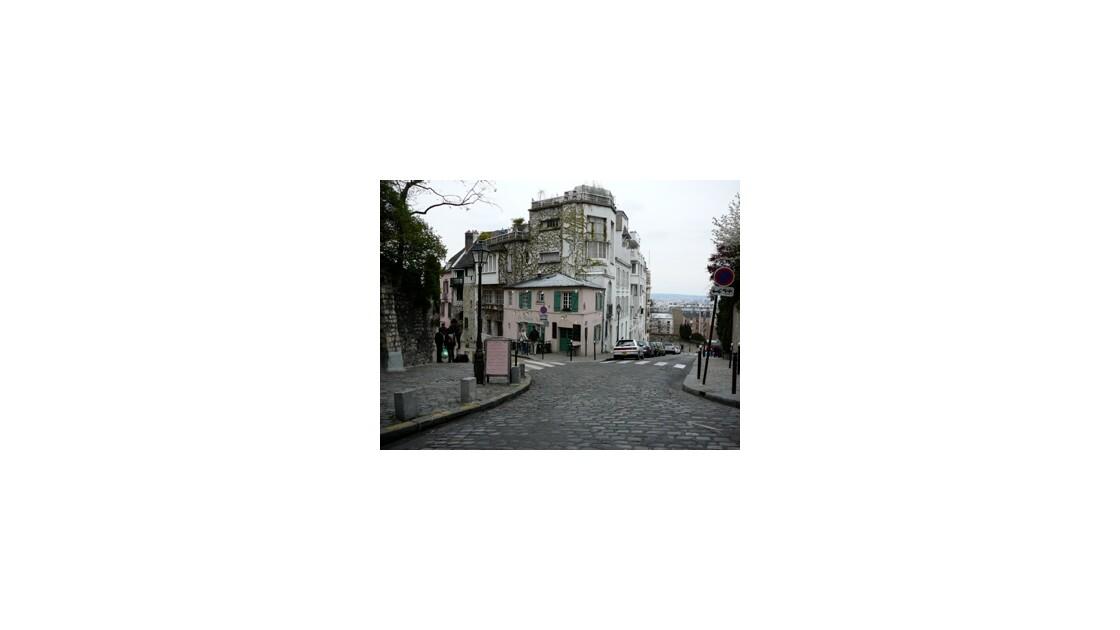 La maison rose sur la Butte Montmartre