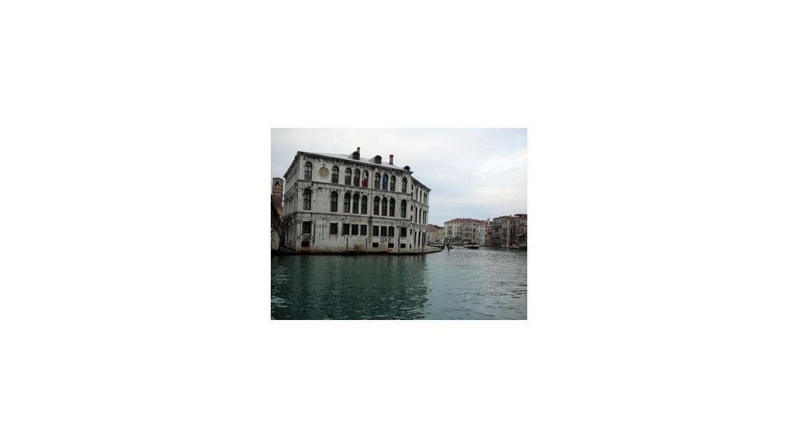 Palais vénitien au pied du Pont Rialto