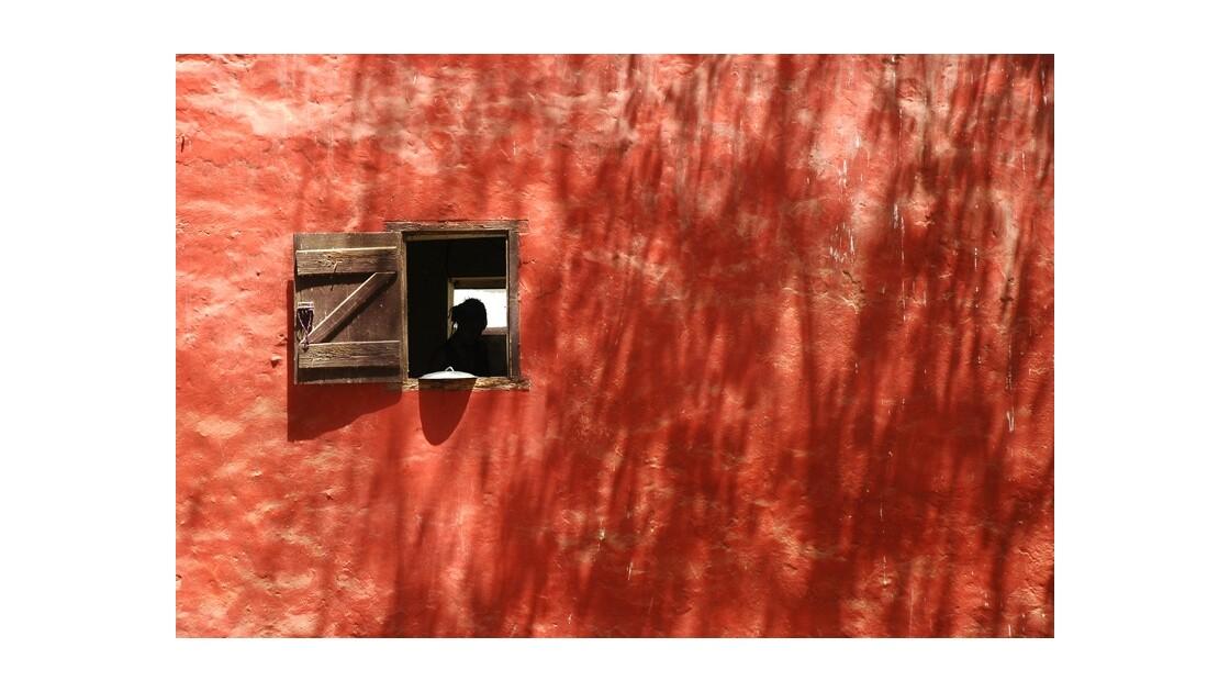 Fenêtre sur mur - Ile de Gorée - Sénégal