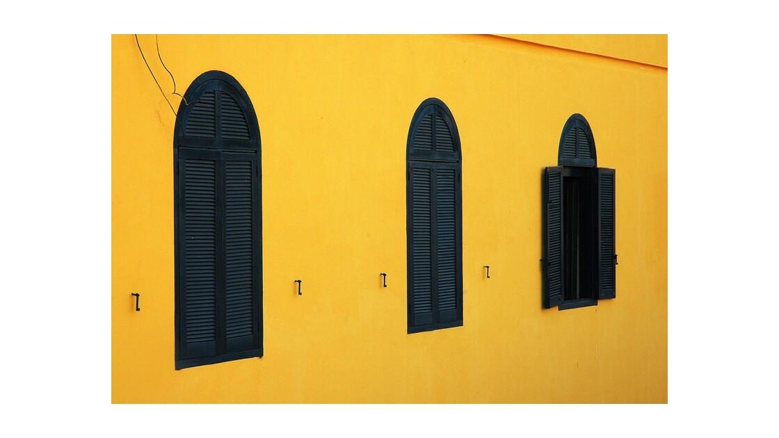 Volets Saint-Louis Sénégal.jpg