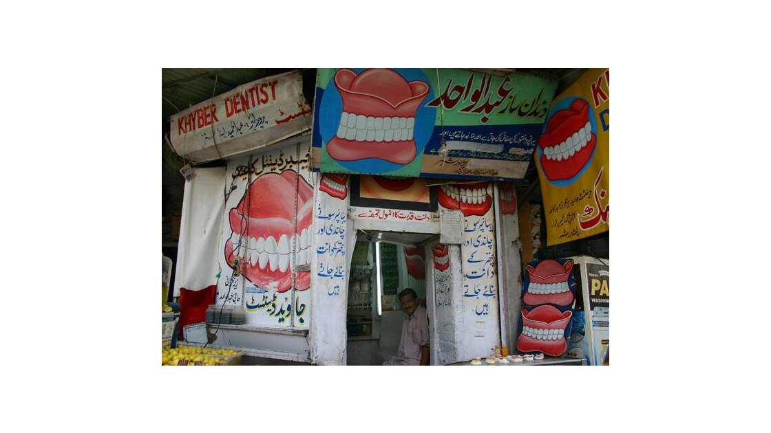 Un dentiste de Peshawar