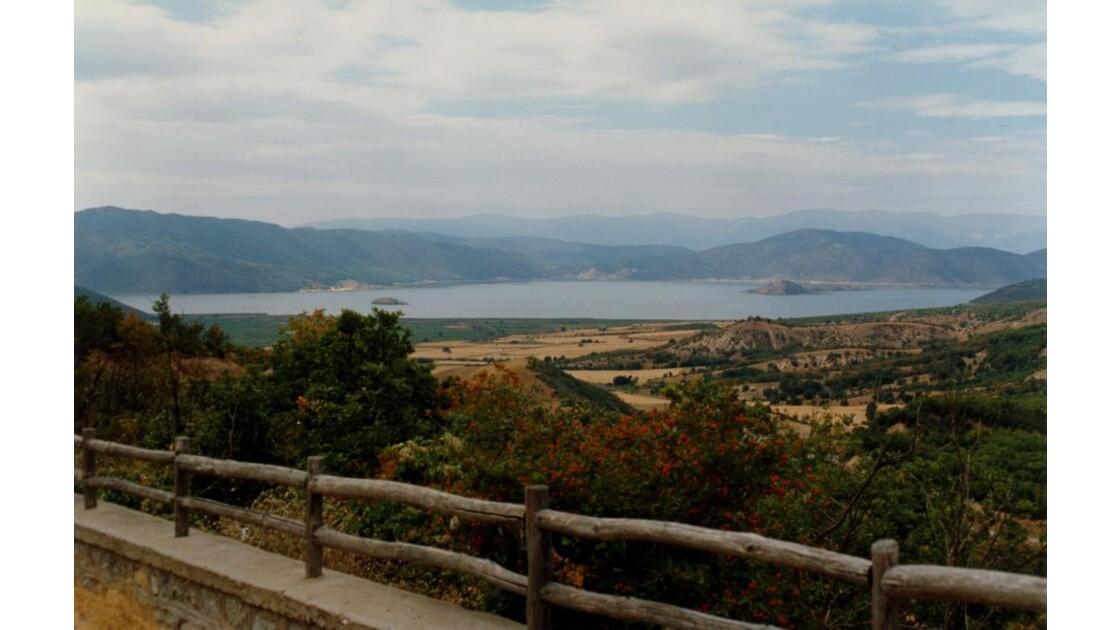 lac prespa à la frontiére nord