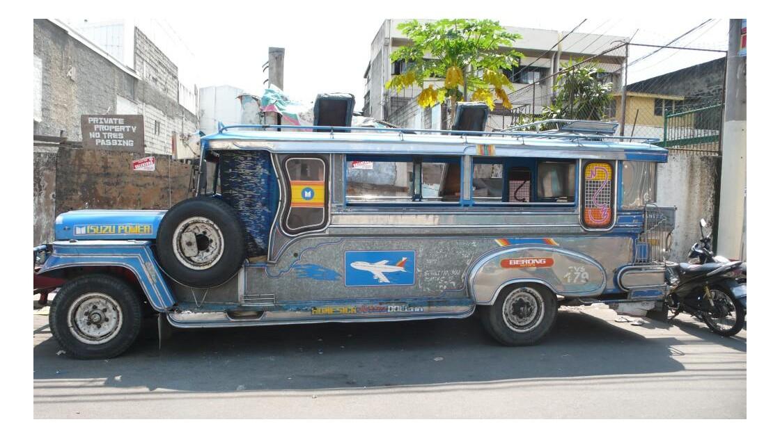 dans la rue de Manille