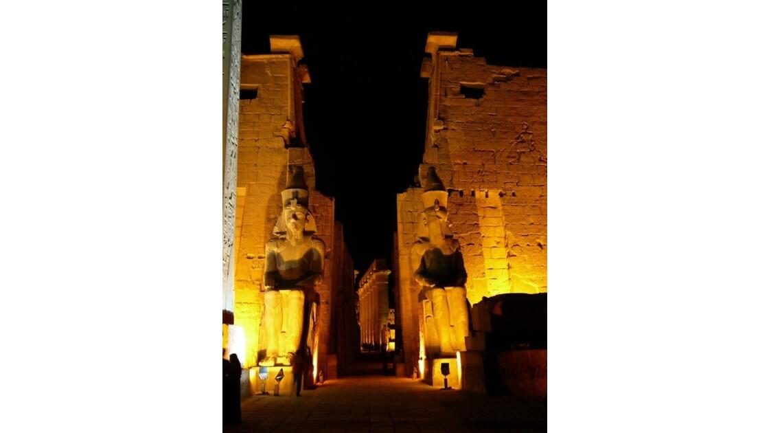 Egypte_Temple_de_Luxor_10.jpg