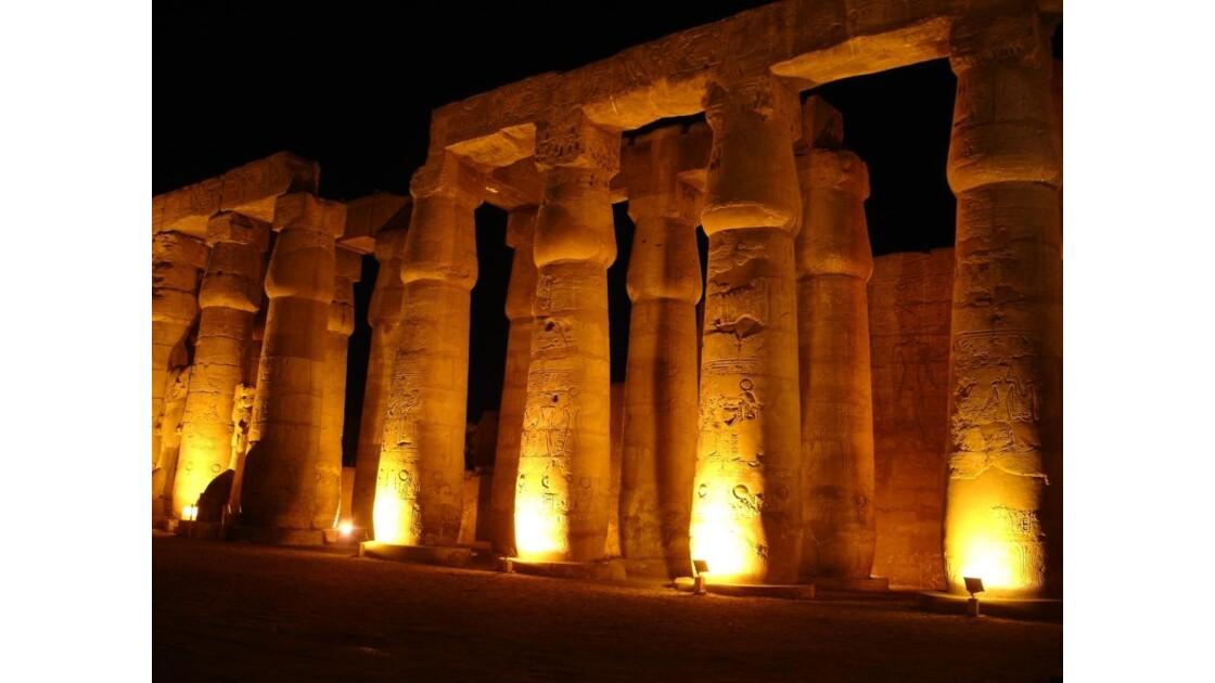 Egypte_Temple_de_Luxor_2.jpg