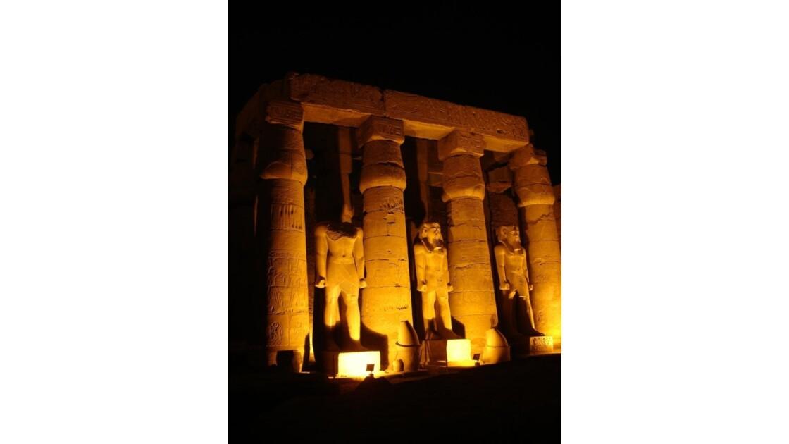 Egypte_Temple_de_Luxor_6.jpg