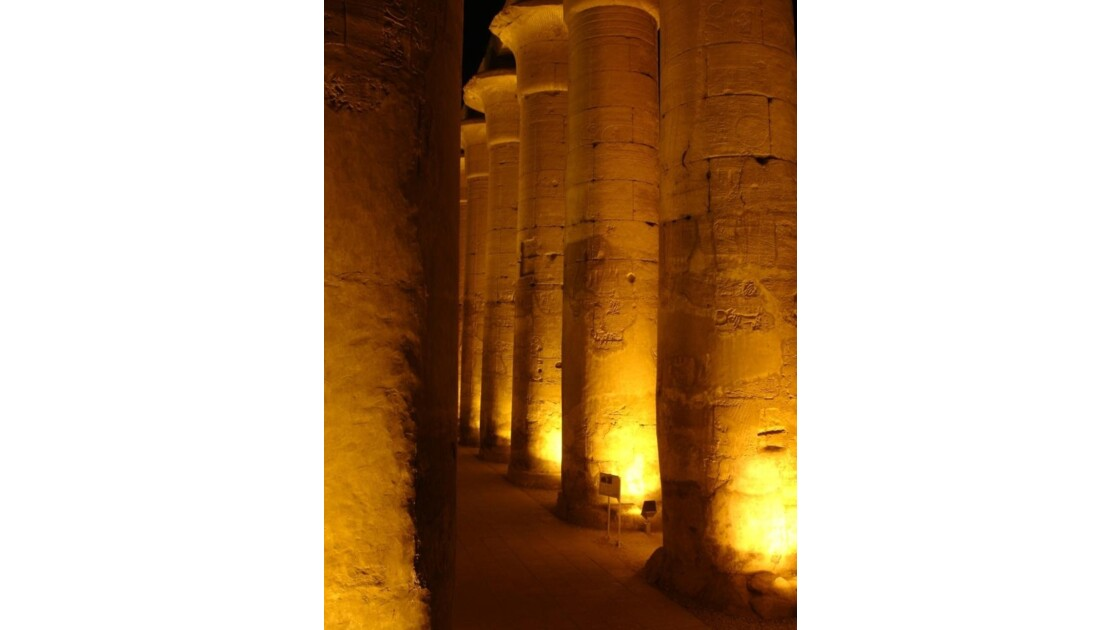Egypte_Temple_de_Luxor_7.jpg