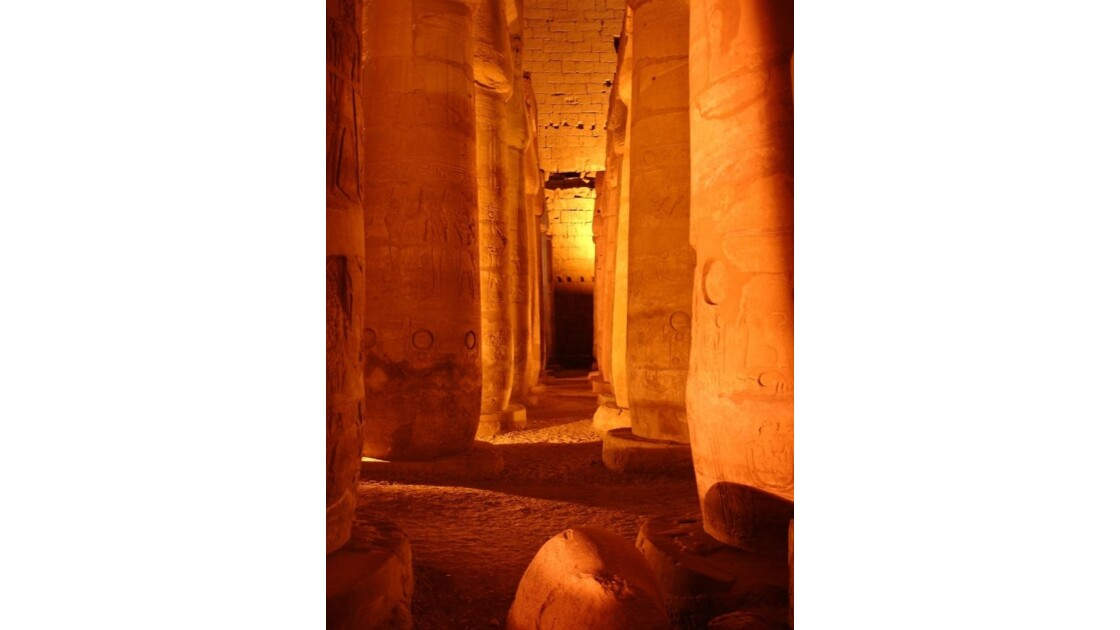 Egypte_Temple_de_Luxor_8.jpg